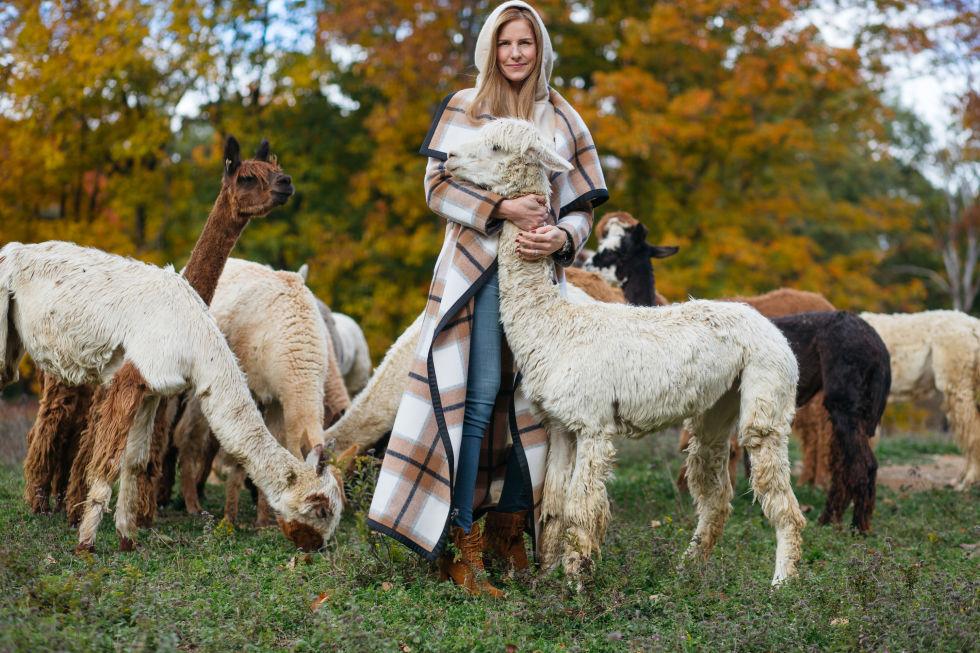 Alicia Adams Alpaca Throwsv