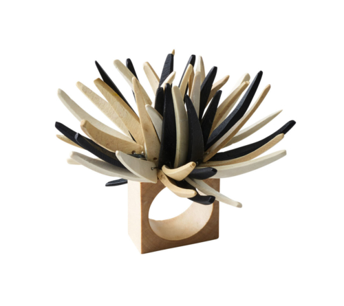 QUILL NAPKIN RING IN IVORY & BLACK