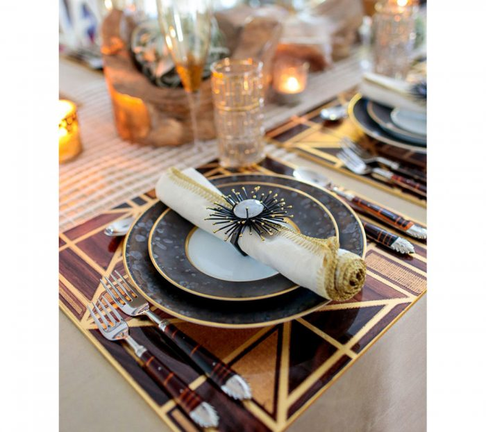 Kim Seybert FLARE NAPKIN RING IN GOLD & BLACK